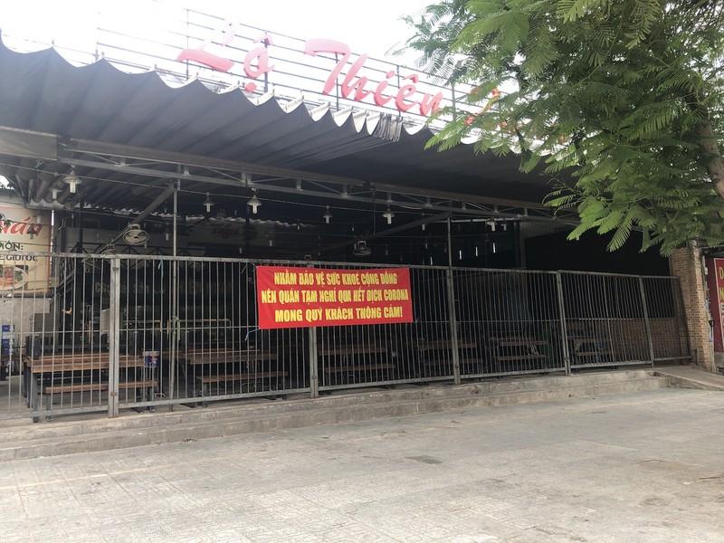 Hàng loạt quán ăn, salon tóc... đóng cửa chống dịch COVID-19 - ảnh 13