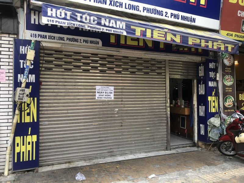 Hàng loạt quán ăn, salon tóc... đóng cửa chống dịch COVID-19 - ảnh 8