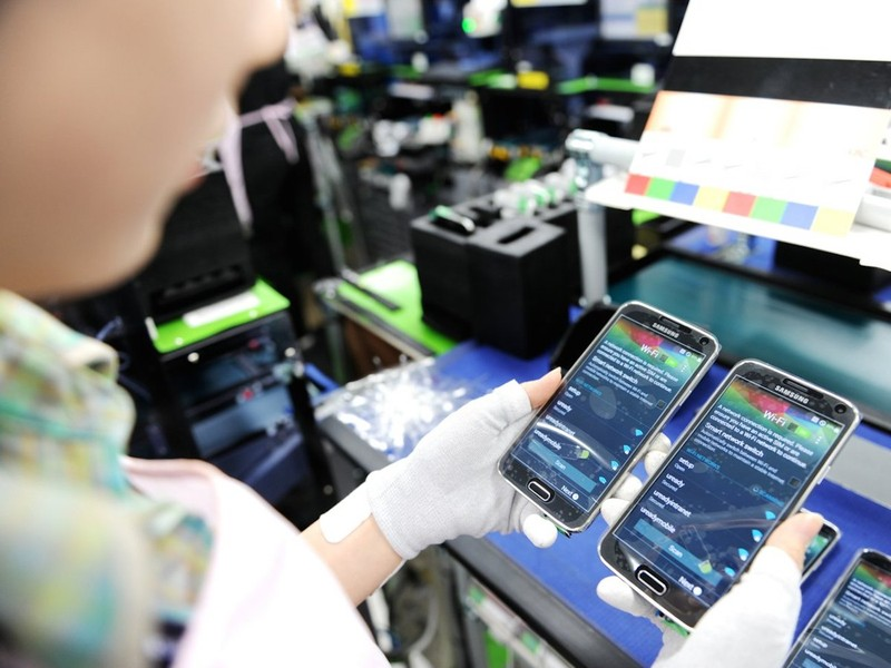 Việt Nam xuất khẩu điện thoại sang Trung Quốc tăng gấp 3 lần  - ảnh 1