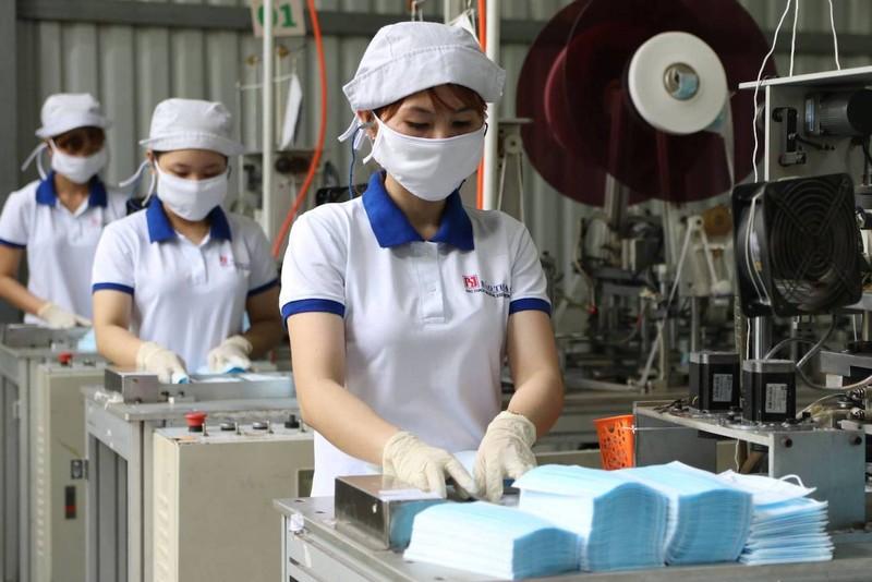 Xuất khẩu hơn 400 triệu chiếc khẩu trang sang Nhật, Mỹ... - ảnh 1