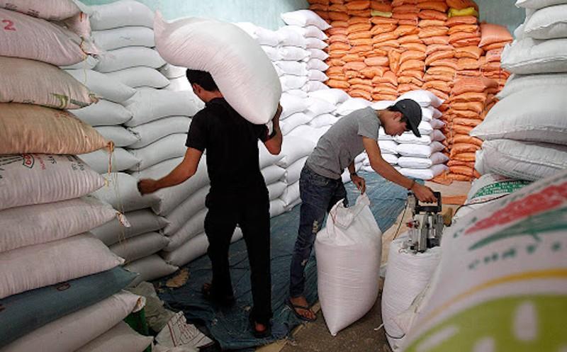 Gạo Việt tiếp tục đắt khách, giá bán tăng cao - ảnh 1