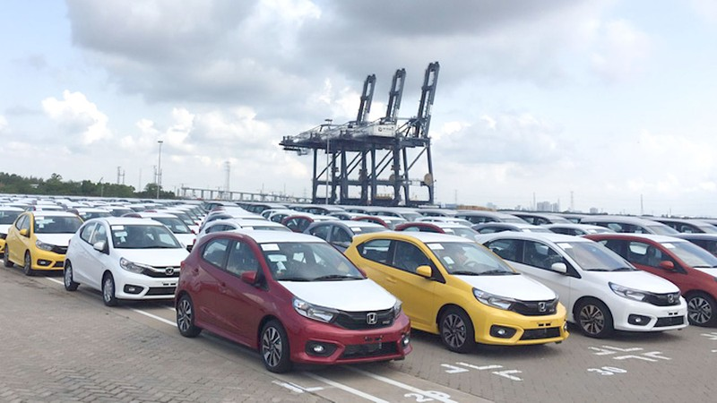 Ô tô Indonesia giá chỉ hơn 290 triệu đồng nhập nhiều về VN - ảnh 1
