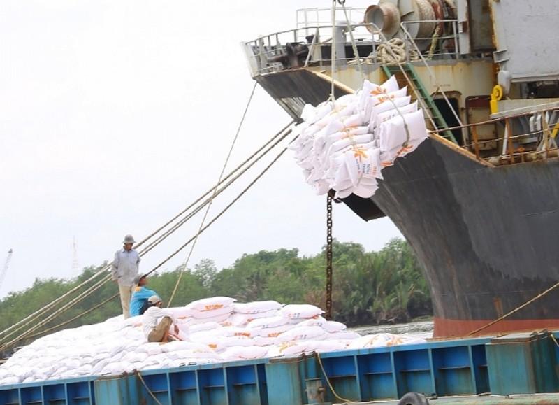 Gạo Việt Nam 'vượt mặt' Thái Lan bán giá cao nhất thế giới - ảnh 1