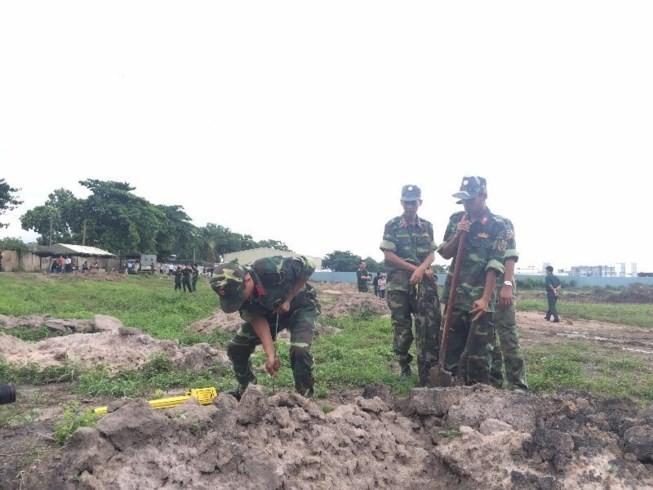 TP.HCM tiếp tục tìm mộ liệt sĩ ở Tân Sơn Nhất - ảnh 1