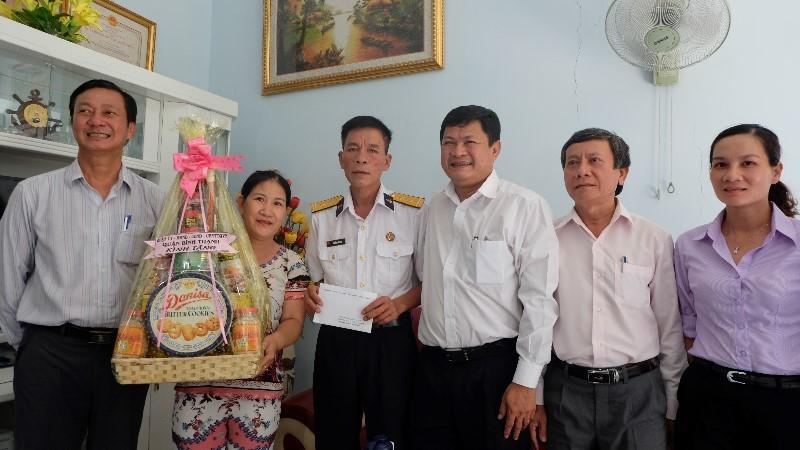 Lãnh đạo TP.HCM tri ân các mẹ Việt Nam anh hùng - ảnh 3
