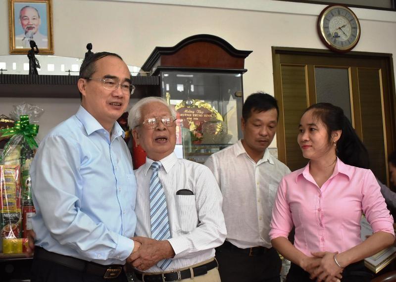 Bí thư Nguyễn Thiện Nhân và các lãnh đạo thăm người cao tuổi - ảnh 1