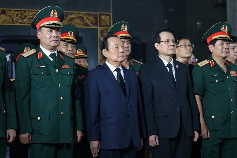 Nhiều đoàn lãnh đạo Đảng và Nhà nước đến viếng ông Mười Hương - ảnh 7