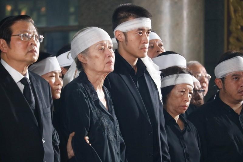Nhiều đoàn lãnh đạo Đảng và Nhà nước đến viếng ông Mười Hương - ảnh 1