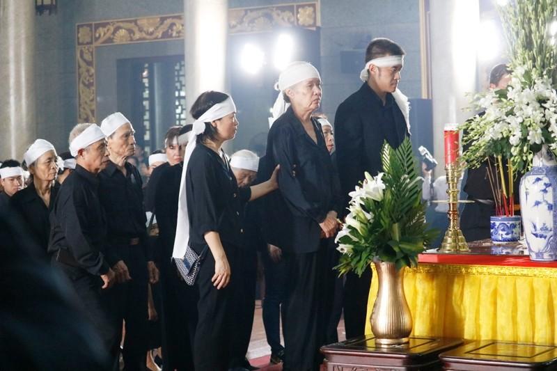 Nhiều đoàn lãnh đạo Đảng và Nhà nước đến viếng ông Mười Hương - ảnh 2