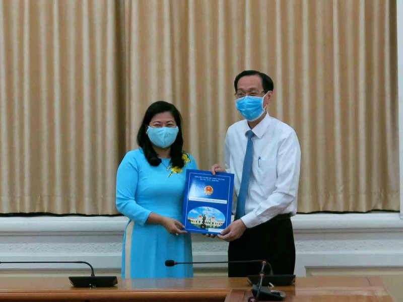 Bà Nguyễn Thị Hồng Thắm làm Phó Giám đốc Sở Nội vụ TP.HCM - ảnh 1