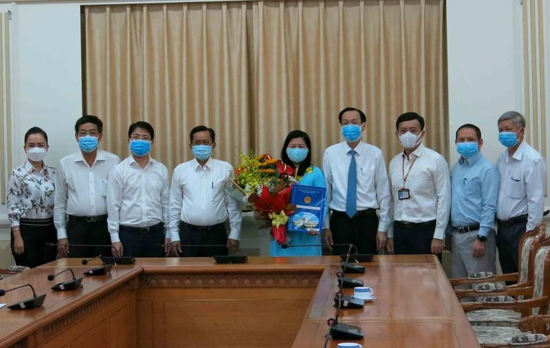 Bà Nguyễn Thị Hồng Thắm làm Phó Giám đốc Sở Nội vụ TP.HCM - ảnh 2