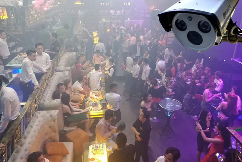 TP.HCM: Từ 18 giờ chiều nay, quán bar được mở cửa trở lại - ảnh 2