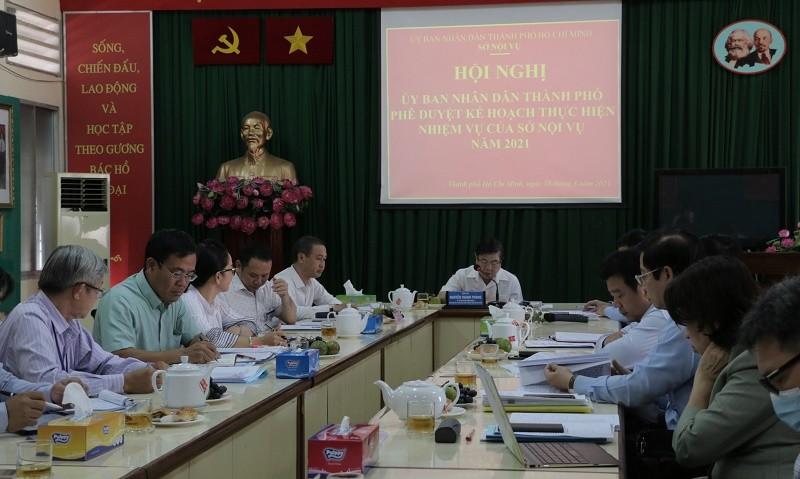 Chủ tịch TP.HCM: Cần đề xuất thuê giám đốc cho các DN nhà nước - ảnh 1