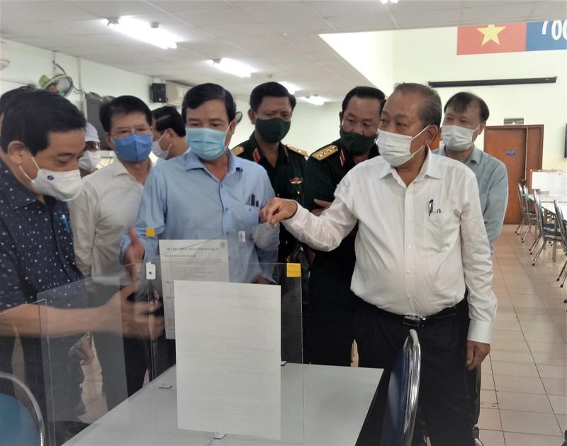 Phó Thủ tướng kiểm tra phòng dịch COVID ở KCX Tân Thuận - ảnh 3