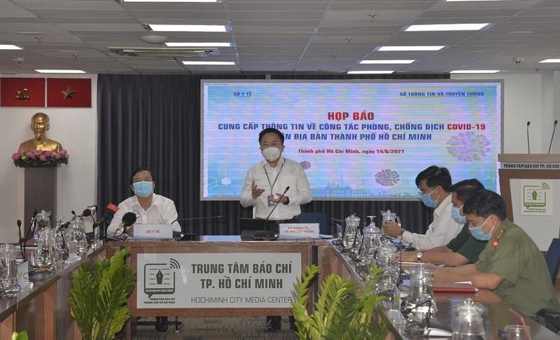 Giám đốc HCDC lý giải việc tiêm 2 mũi vaccine vẫn mắc COVID-19 - ảnh 1