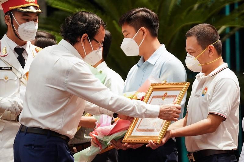 Bí thư Nguyễn Văn Nên: Các lực lượng đến TP.HCM bằng lòng dũng cảm, sự hy sinh - ảnh 1
