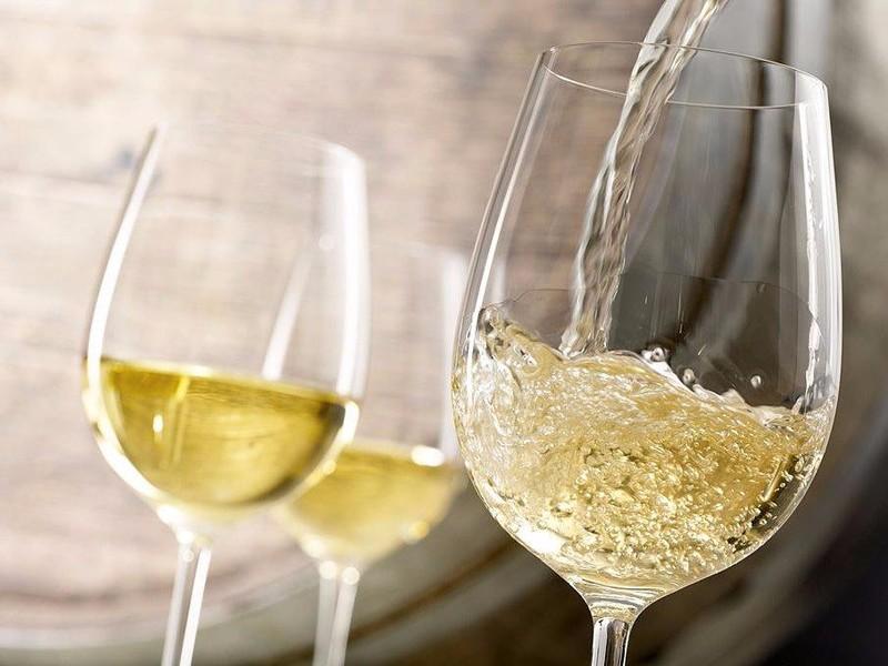 Vì sao nên uống rượu vang trắng? - ảnh 2