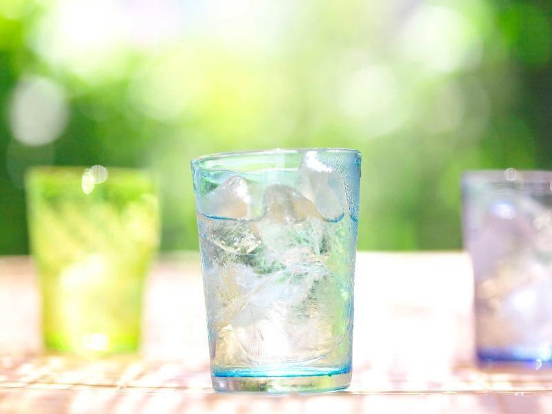Những sai lầm khi uống nước vào mùa hè - ảnh 1