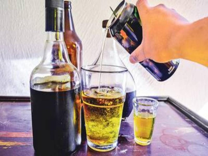 Những lầm tưởng phổ biến khi uống rượu bia - ảnh 2