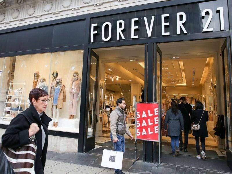 Đại gia Forever 21 phá sản, thời trang 'ăn liền' lo sốt vó - ảnh 1