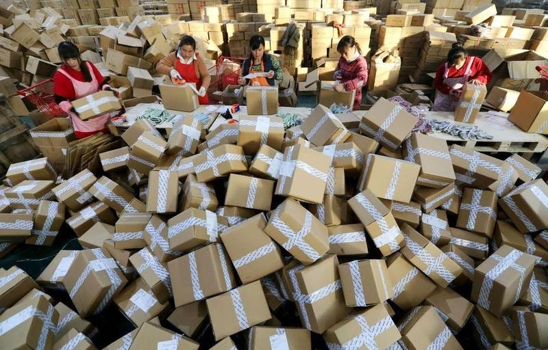 Người Trung Quốc quyết không mua hàng Mỹ dù 'bão' giảm giá? - ảnh 1