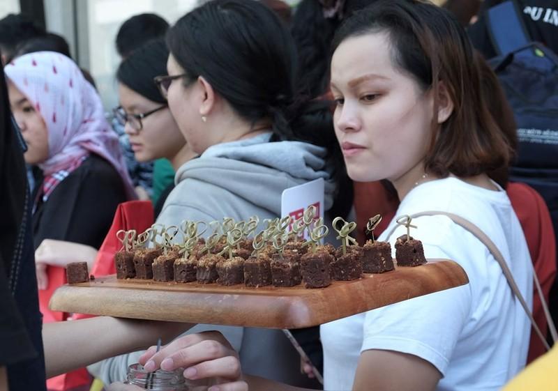 Cửa hàng Nhật mang dù che nắng cho khách Việt mua sắm - ảnh 6