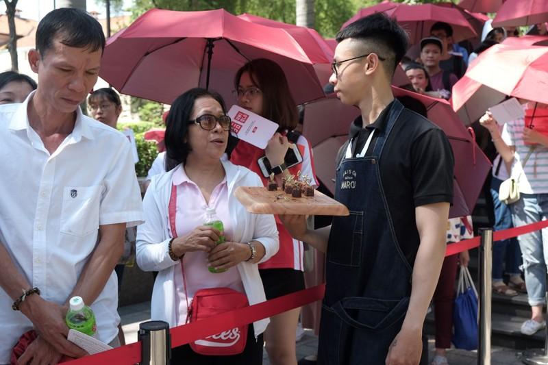 Cửa hàng Nhật mang dù che nắng cho khách Việt mua sắm - ảnh 9