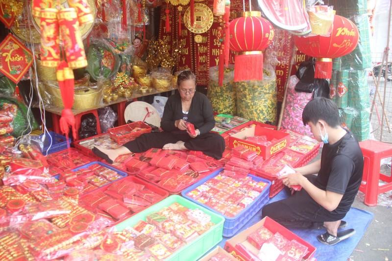 Con đường sực nức mùi tết ở Sài Gòn - ảnh 3