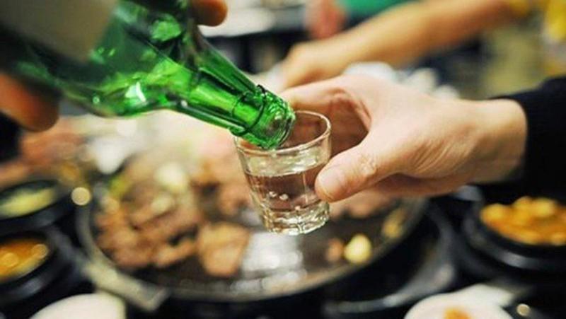 Mẹo chống say rượu trong những ngày tết - ảnh 1