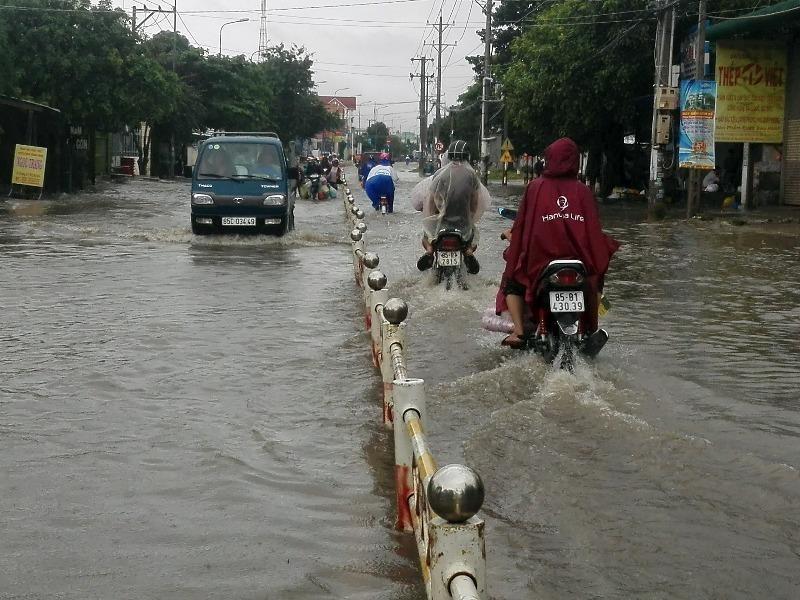 Ninh Thuận: 19/20 hồ chứa đồng loạt xả lũ - ảnh 2
