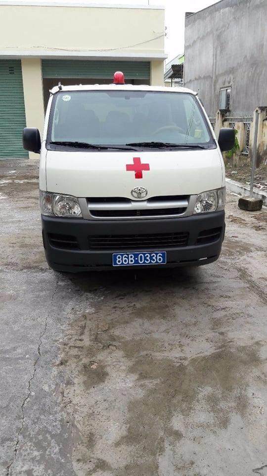Xe cứu thương biến thành xe… du lịch! - ảnh 1