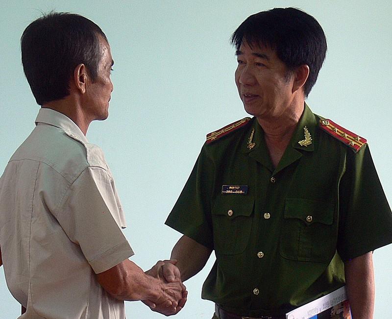 Kiểm điểm 12 người trong vụ làm oan ông Huỳnh Văn Nén - ảnh 1