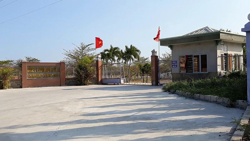 Phòng trưng bày đá quý xây lụi ở Ninh Thuận - ảnh 1