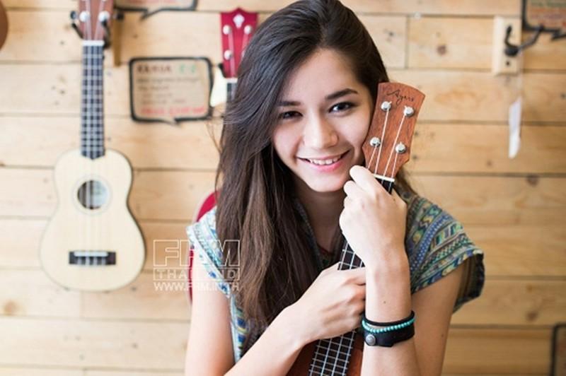 Hotgirl Thái Lan và ban nhạc Getsunova quay MV tại Mũi Né - ảnh 2
