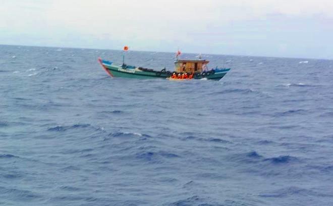 Bí ẩn con tàu gây tai nạn khiến 4 thuyền viên rơi xuống biển - ảnh 1