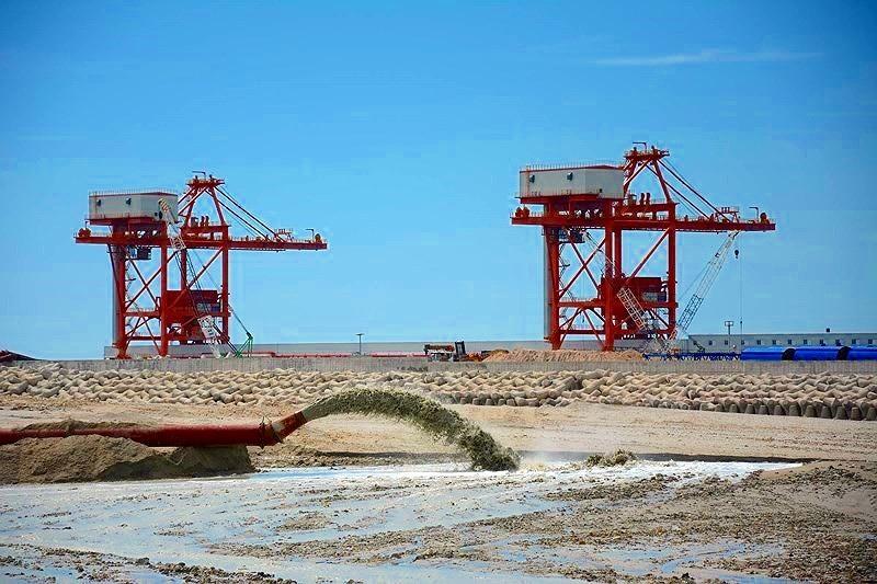 Chính phủ đồng ý xây kè thay phương án nhận chìm trên biển - ảnh 2