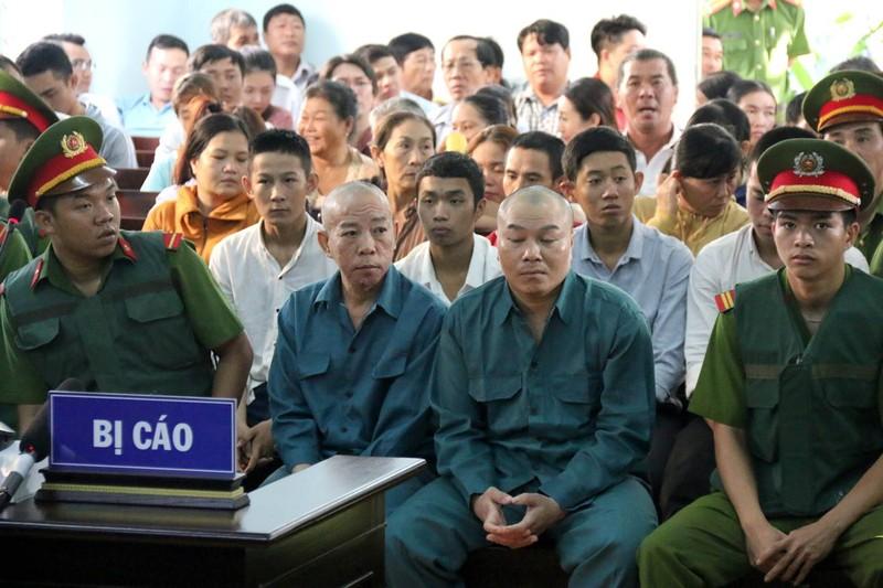 Phạt tù 30 bị cáo gây rối, đốt trụ sở UBND tỉnh Bình Thuận - ảnh 6