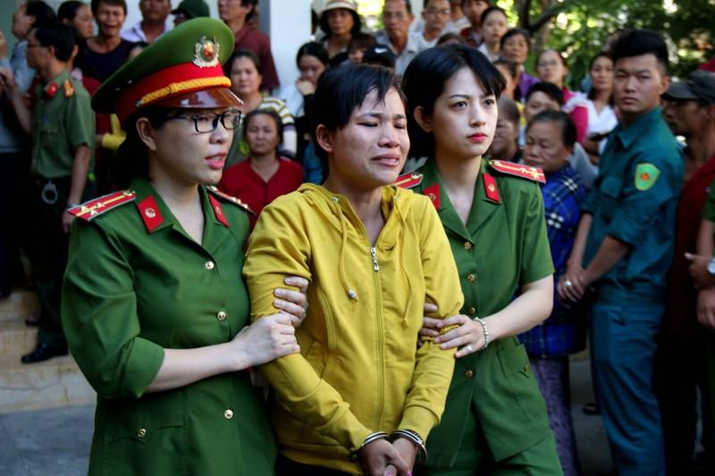 Phạt tù 30 bị cáo gây rối, đốt trụ sở UBND tỉnh Bình Thuận - ảnh 3