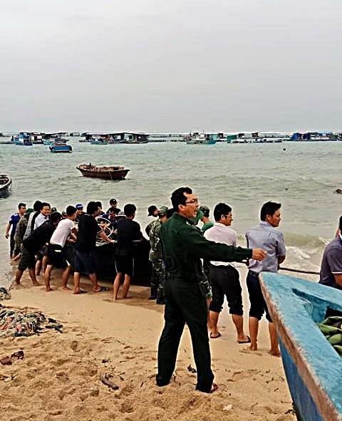 Đảo Phú Quý xuất hiện sóng bạc đầu trước khi bão số 9 đến - ảnh 5