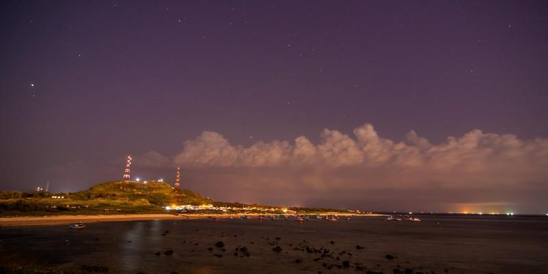 Dân đảo Phú Quý hạ cây, neo thuyền... chờ bão số 9  - ảnh 4