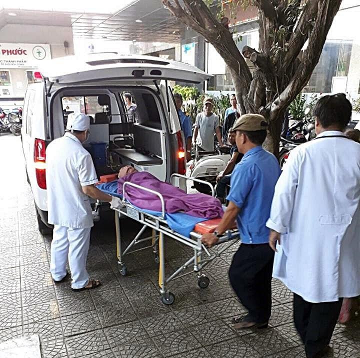 Xe khách lao xuống vực, 1 người chết 5 người bị thương - ảnh 2