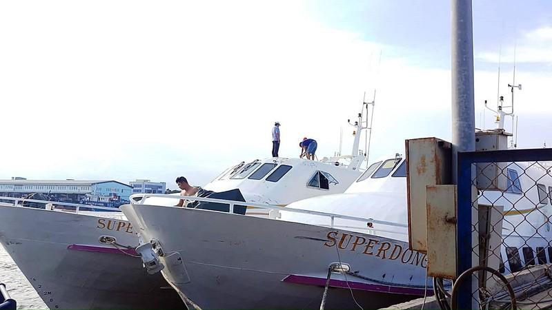Cần cẩu sập, đè tàu cao tốc Superdong mới đóng 2 triệu USD  - ảnh 3