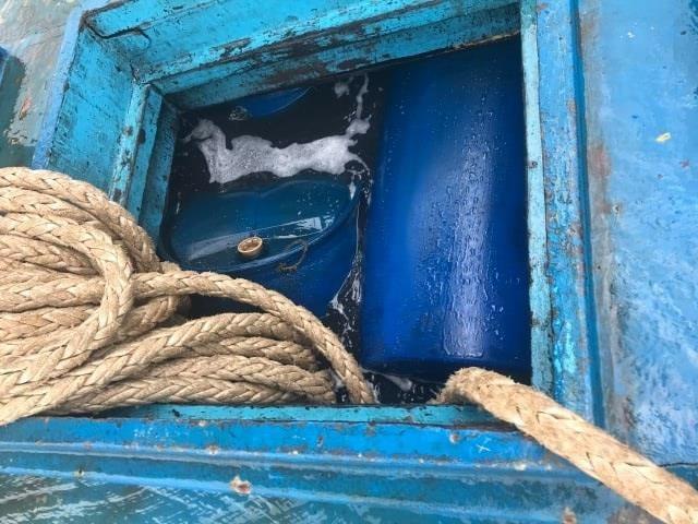 Thông tin mới nhất vụ tàu chở 70.000 lít dầu chìm ở Phú Quý - ảnh 3