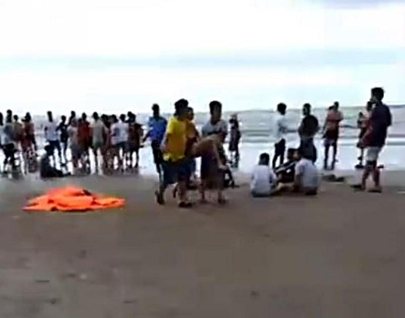 9 người bị sóng biển cuốn trôi, 4 người tử vong - ảnh 2