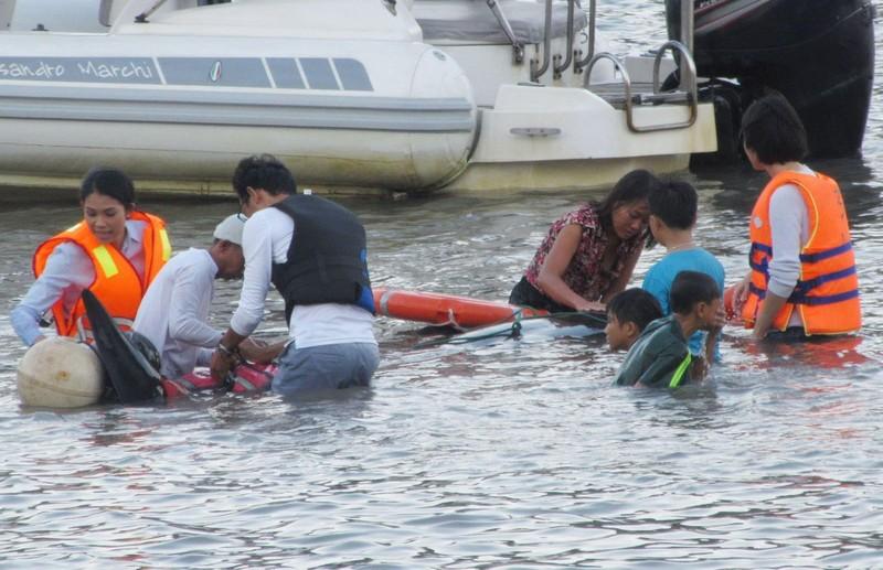 Cứu hộ bất thành cá voi 250 kg lạc vào vịnh Vĩnh Hy  - ảnh 2