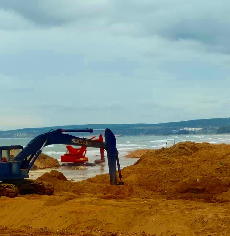 Dừng nạo vét cửa biển Phan Rí do có nhiều sai phạm - ảnh 1