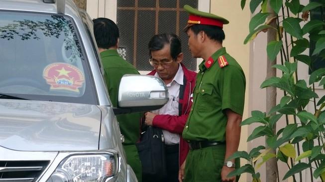 Cách hết chức vụ đảng nguyên GĐ Văn phòng đất đai Bình Thuận - ảnh 3