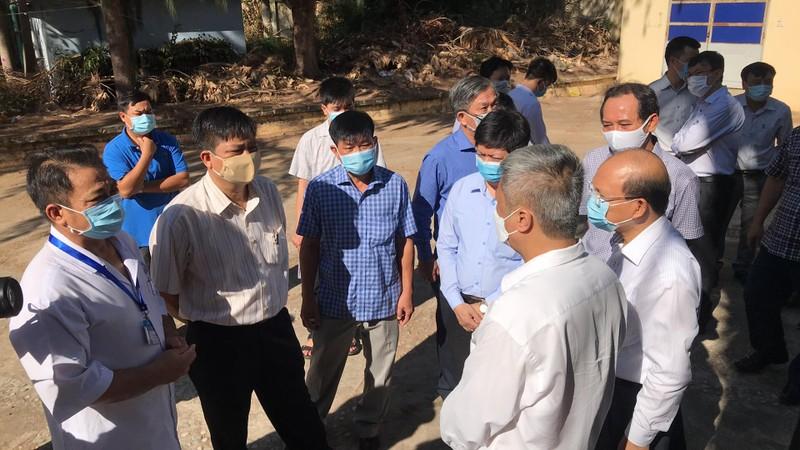 BV Chợ Rẫy hỗ trợ khẩn cấp cho Bình Thuận chống COVID-19 - ảnh 2
