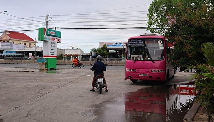 Bình Thuận dừng toàn bộ xe buýt, xe du lịch trên 9 chỗ - ảnh 1