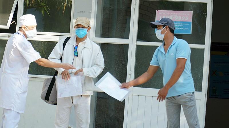Ninh Thuận: 2 bệnh nhân COVID-19 được công bố khỏi bệnh - ảnh 2